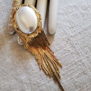 Vintage Couture Omega Chain Faux Pearl Brooch